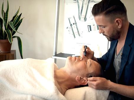 Männerpflege: Gesichtsfalten reduzieren und jünger aussehen!