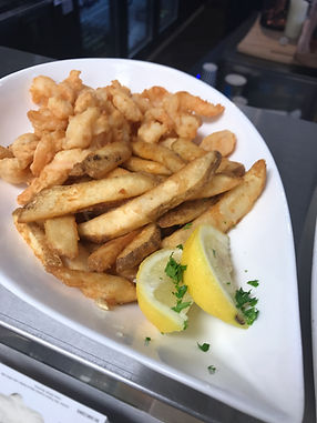 CURLY SHRIMP AND FRIES