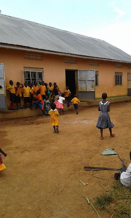 Skolebarn i aksjon.jpg