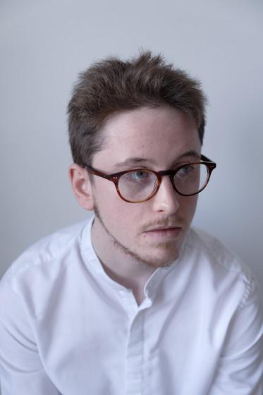 Dan, 23. Musician, Theatre Customer Relations Assistant (bilingual). From Cardiff, Wales.  Dan, 23. Cerddor, Cynorthwyydd Cysylltiadau Cwsmeriaid Theatr (dwyieithog). O Gaerdydd, Cymru.