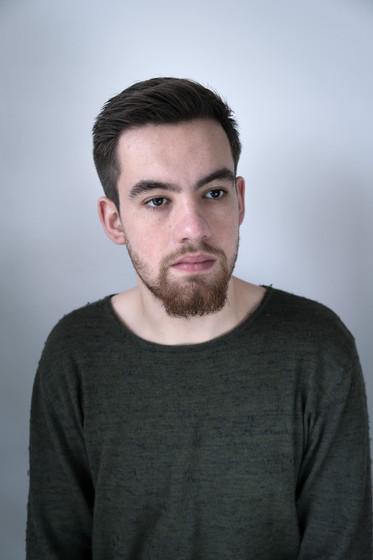 Dafydd, 22. Pharmacy Student. From Cardiff, Wales.  Dafydd, 22. Myfyriwr Fferylliaeth. O Gaerdydd, Cymru.