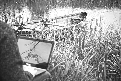 laptop-mockup-notebook-outside-4778_edited.jpg