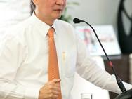 Dr Lee.jpg