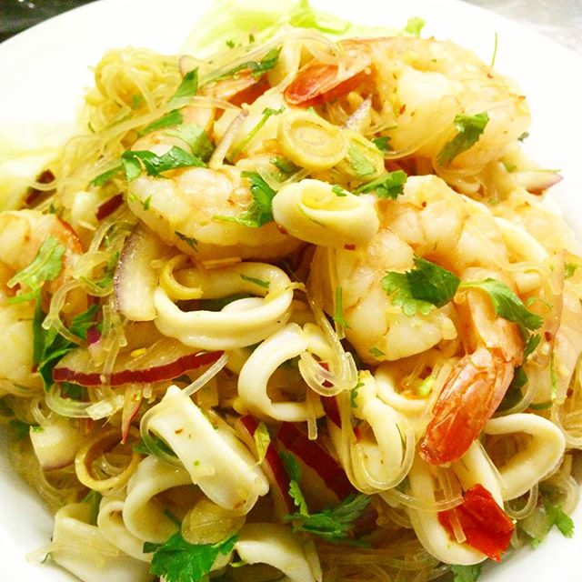 Seafood Yum Woon Sen