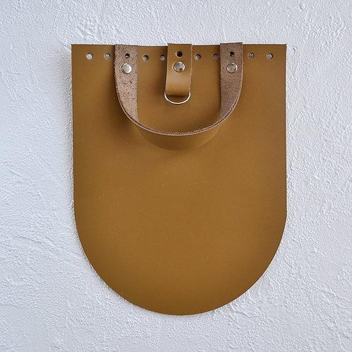 Кожаный клапан для рюкзака (горчица)