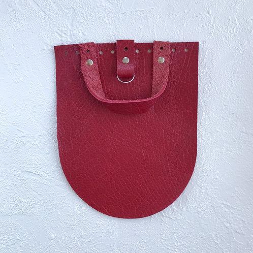Кожаный клапан для рюкзака (текстурный красный)