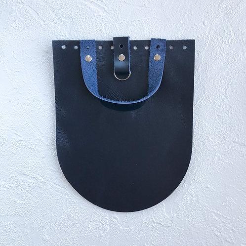 Кожаный клапан для рюкзака (тёмно-синий)
