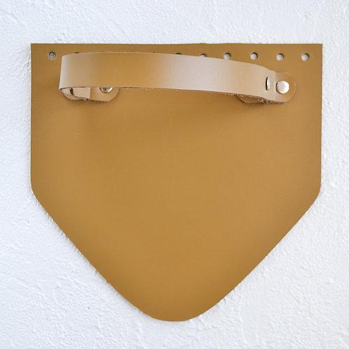 Кожаный клапан треугольный (горчица)