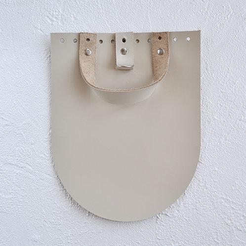 Кожаный клапан для рюкзака (крем)