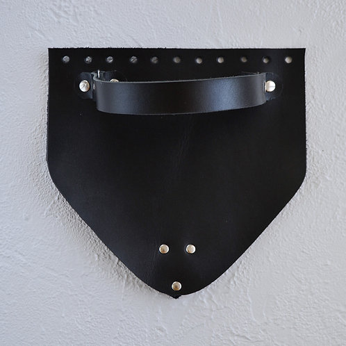 Кожаный клапан треугольный (чёрный)