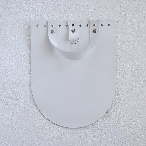 Кожаный клапан для рюкзака (белый)