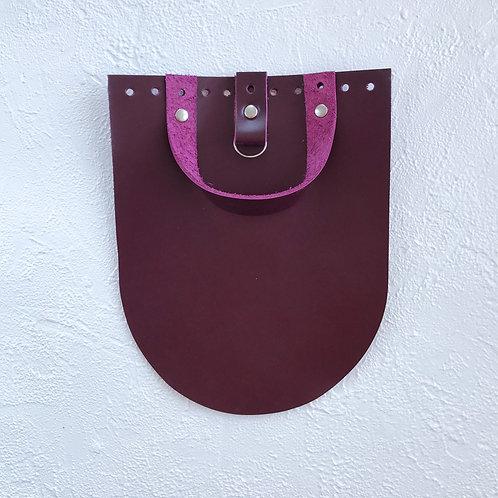 Кожаный клапан для рюкзака (вишнёвый)