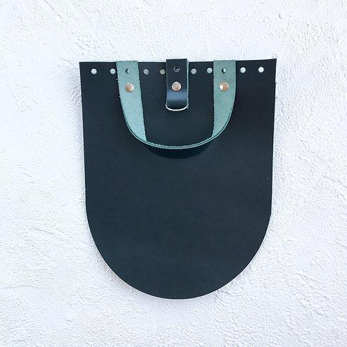 Кожаный клапан для рюкзака (тёмно-зелёный)