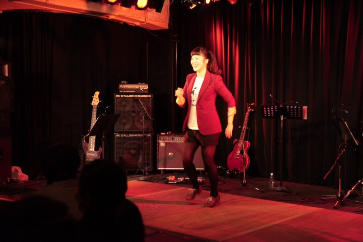 Jumpin'at Woodside① タップライブ
