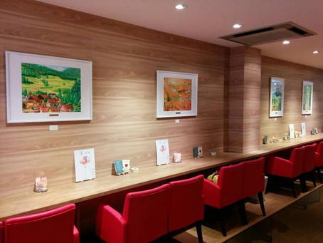 所属アーティストの奥津香里命さんの作品が展示されました。
