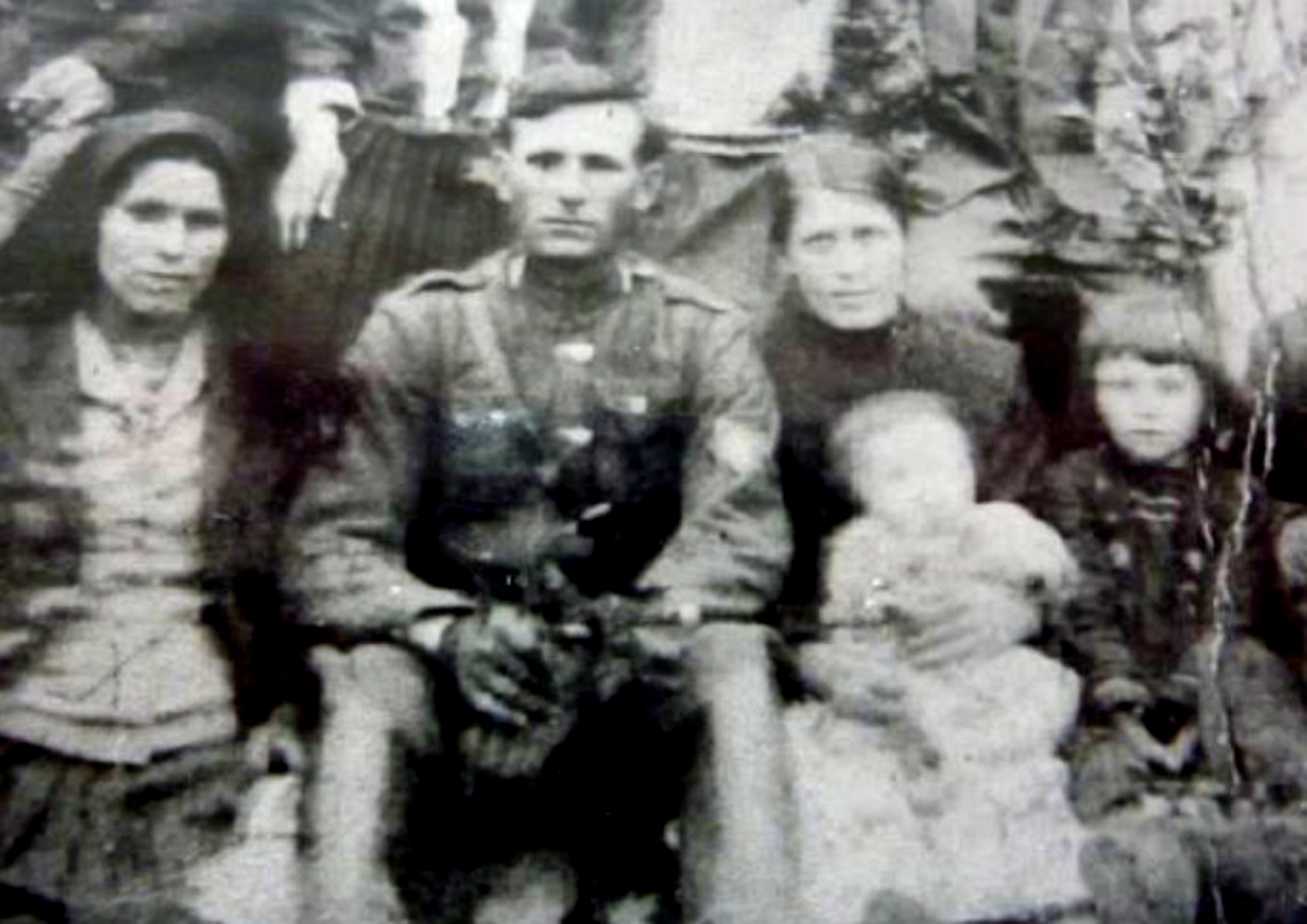 01 Family photo from 1928