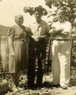14 Beirut 1946 with parents