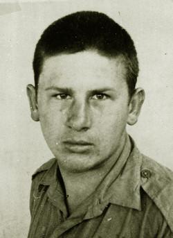 07 R. Lipinski as a recruit 1943