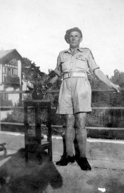 33 Jan KARLOWSKI_Father 26 X 1945 in Egy