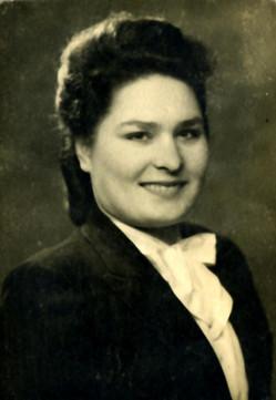 Julia (Siomkajlo) Szypowska 1949