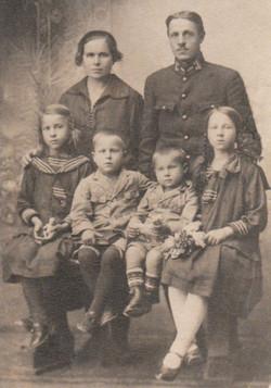 01 Pre War family photo