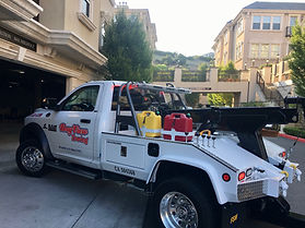 emergency roadside assistance near me auto towing 24 hour tow truck Martinez CA