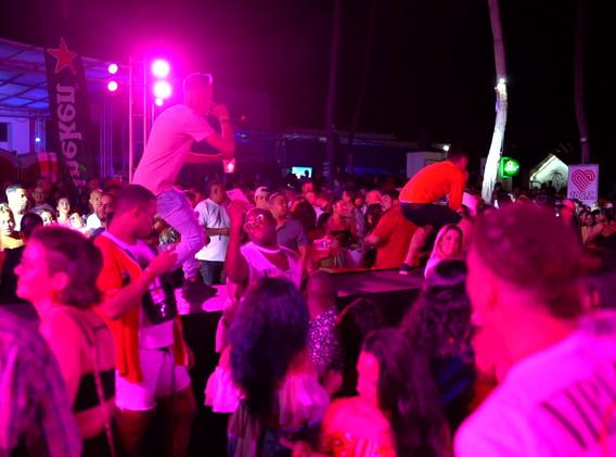 Vollemaan Beach Feestje