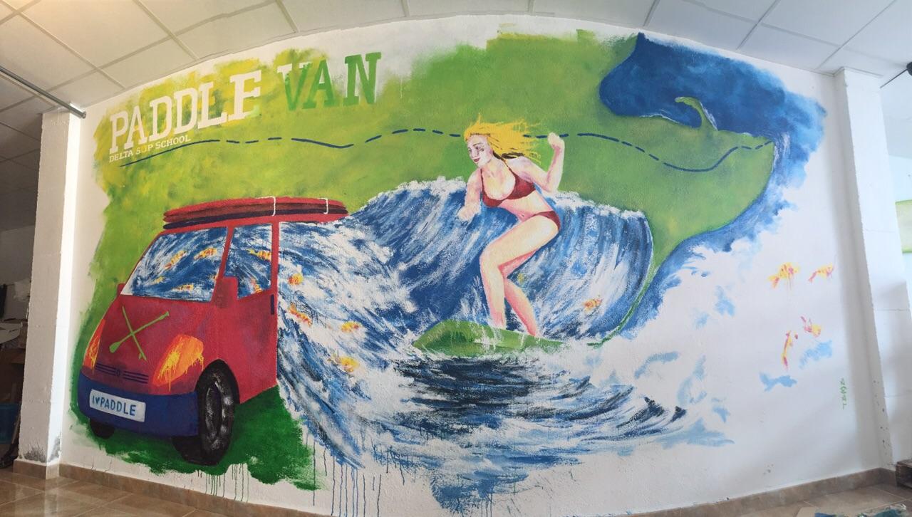 paddle van delta surf