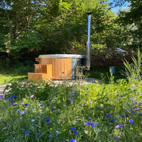 winchcombe large wood fired hot tub cots