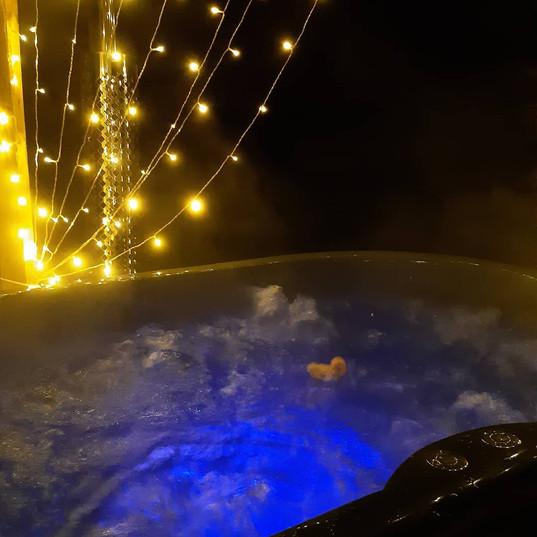 wood fired hot tub.jpeg
