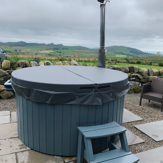 Cotswold Eco Tubs Wood Fired ( Wood-Fired ) Wood burning Hot Tub Eco Tub Fibreglass Hire Luxury LED Lights Bubbles