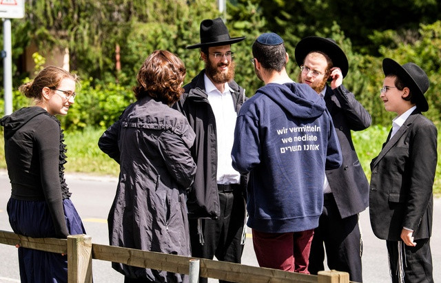 Judeus nativos 'traduzem' a Suíça para turistas ortodoxos