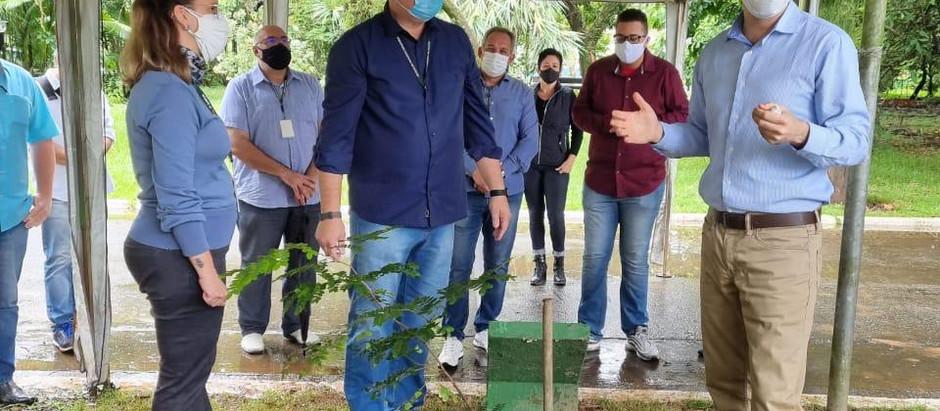 Consulado de Israel celebra o Dia da Terra em ação com Prefeitura de Santos