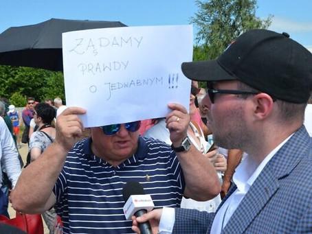 Nacionalistas poloneses interrompem a comemoração das vítimas judaicas do pogrom