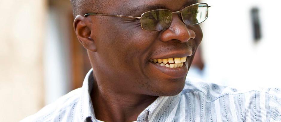 Gershom Sizomu. O primeiro Rabino no Parlamento de Uganda