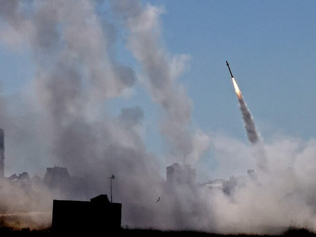 Israel sob ataque -     Duplo crime de guerra