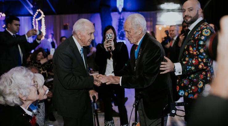 Herói polonês do holocausto recebe festa surpresa pelo seu 100º aniversário