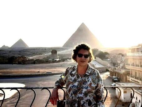 Com a mão estendida, uma embaixadora traz Israel de volta ao Egito