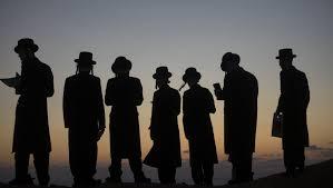 Ostrowiec, Polonia – 1942 Deixa de Existir a  Piedosa e Vibrante  Comunidade Judaica