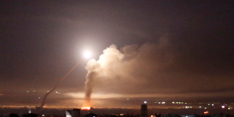 Mísseis sírios caem    perto do reator nuclear de Dimona, interceptação falha