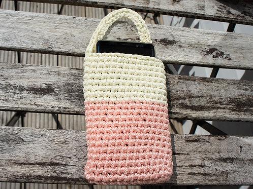 Crochet phone charging sleeve, carrier (model1)
