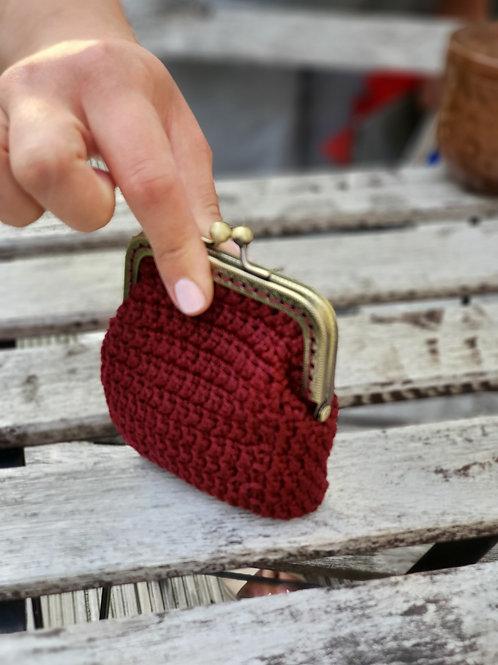 Crochet, Burgundy bronze frame Kisslock, rectangle coins/card purse