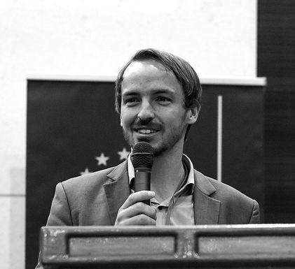 Niklas Hayek
