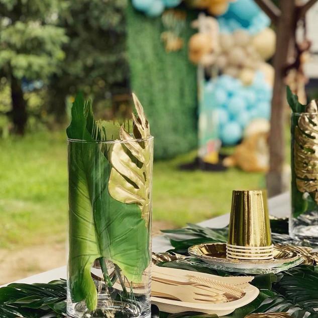 Safari Birthday table