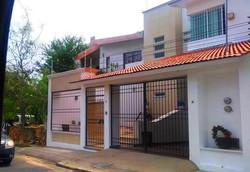 Zona Residencial / RESIDENTIAL ZONE