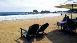 Beautiful beach that is accessed / hermosa playa a la que se accesa