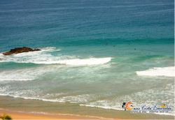 enfrente tendrá a la vista surfistas