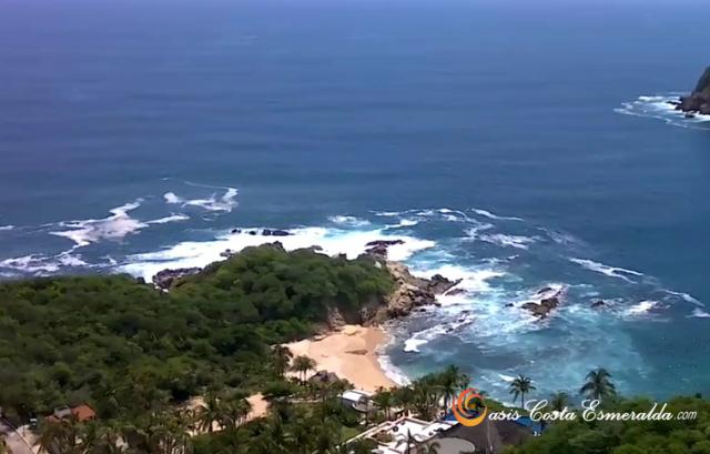 Acceso a hermosa playa / Access to beautiful beach