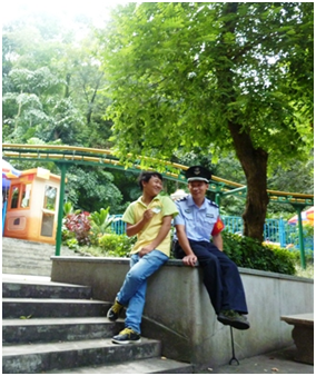Selam's photo of police officer
