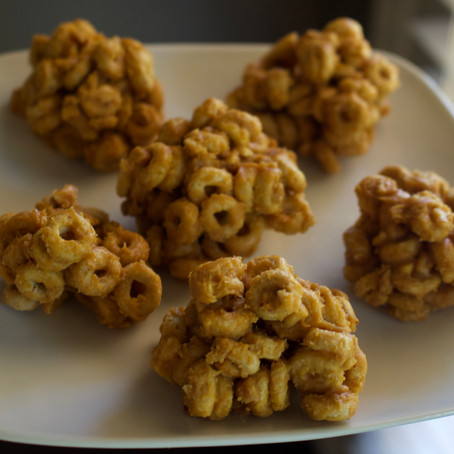 Easy Peanut Butter Cereal Ball